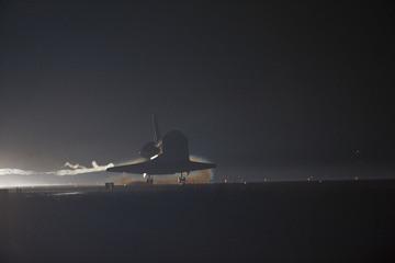 Hier das VOD von der letzten Shuttle Landung in der Geschichte. Spult vor zu Minute 28. Da gehts dann los. Wird versucht wiederherzustellen, sieht aber schlecht aus 🙁Hier das […]