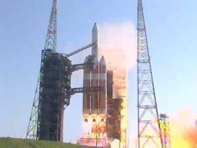 Das Replay vom langwierigen Start der Delta IV Heavy mit den neuen RS-68A Triebwerken. Der Start wurde mehrmals im Laufe der Sendung verschoben und ist schließlich bei Minute 204 […]